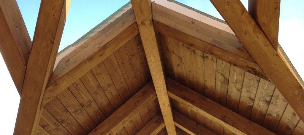 Montaje panel sandwich aislante cubiertas soluciones for Tejados de madera precios